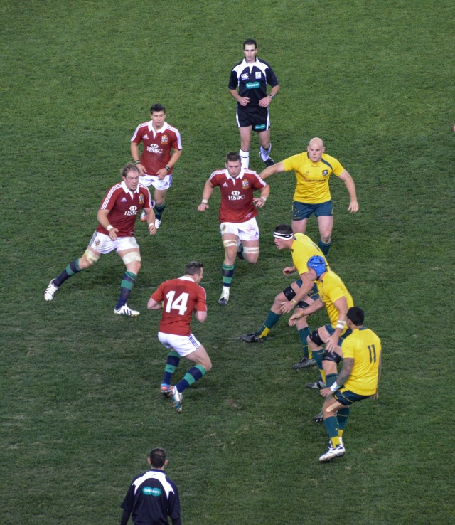 No way through for Tommy Bowe
