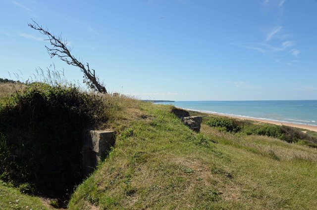 WN62 observation post (rear entrance to the left) facing Omaha Beach