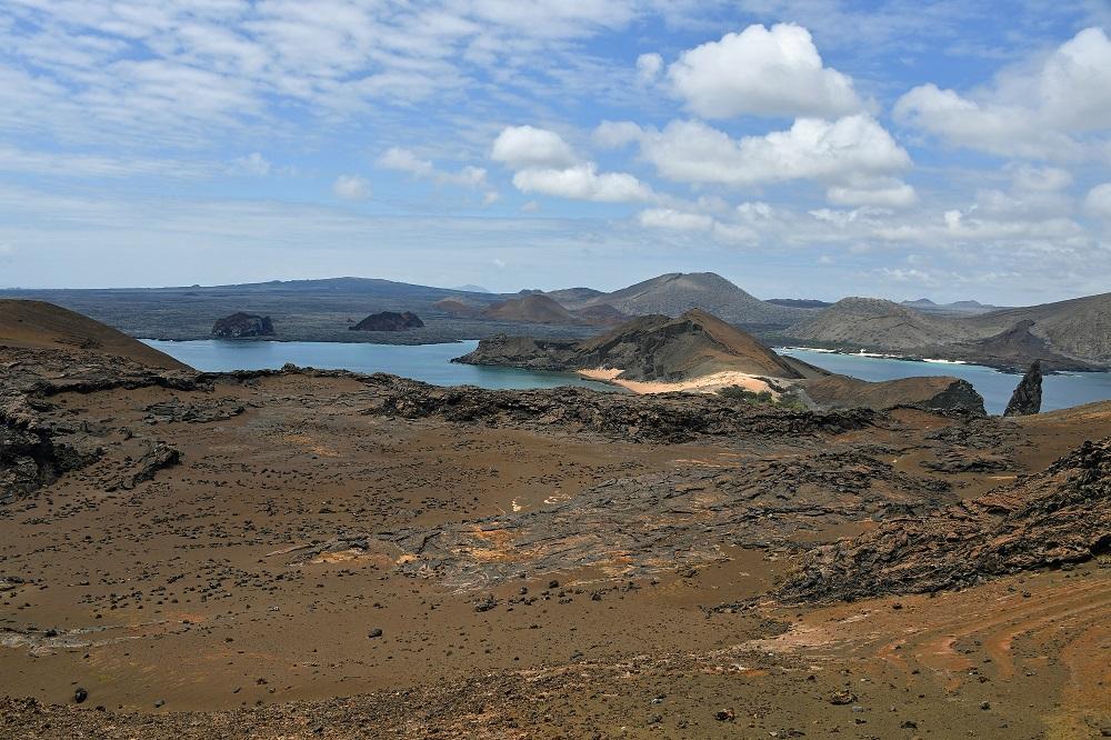 Pinnacle Rock Bartoleme Galapagos